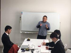 渡辺先生から弊所スタッフにノウハウ伝授中