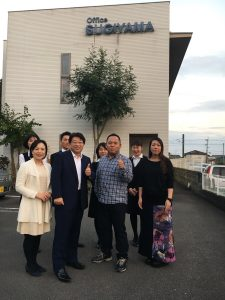 大阪の社会保険労務士法人渡辺事務所の渡辺先生ご来所