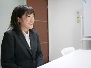 笑顔の山崎さん